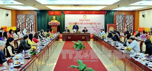世界各国のベトナム人、テトを祝う