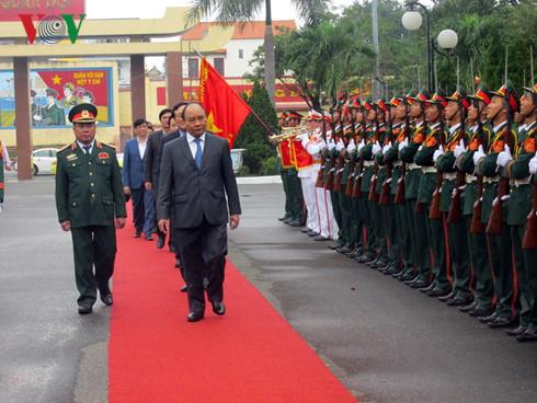 阮春福视察第五军区司令部