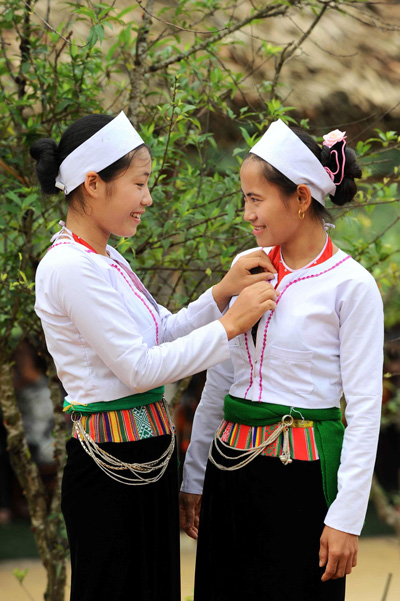Interesting wedding ritual of the Muong
