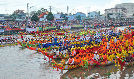 Ngo junk race of the Khmer in Soc Trang