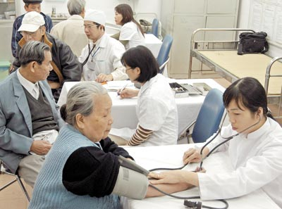 Vietnam among countries with aging population in 2015