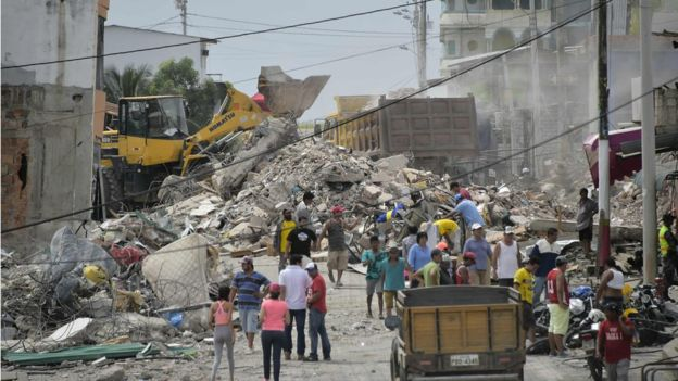 Ecuadorian President visits earthquake affected region