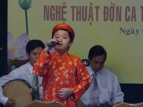 Amateur youth singing contest in HCMC