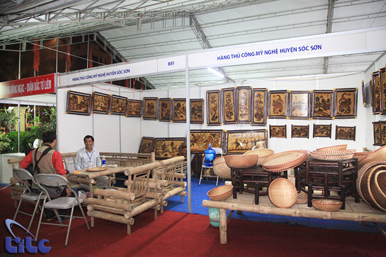 Promoting traditional craft villages on par with tourism development