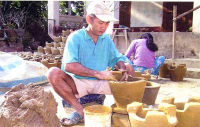 Lu Cam-famous pottery village