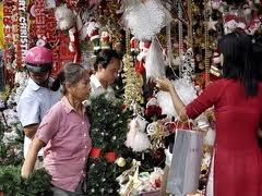 Christmas warms the hearts of HCM City dwellers