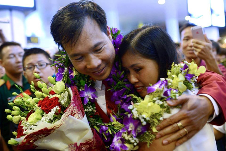 Olympic gold medalist Hoang Xuan Vinh welcomed home