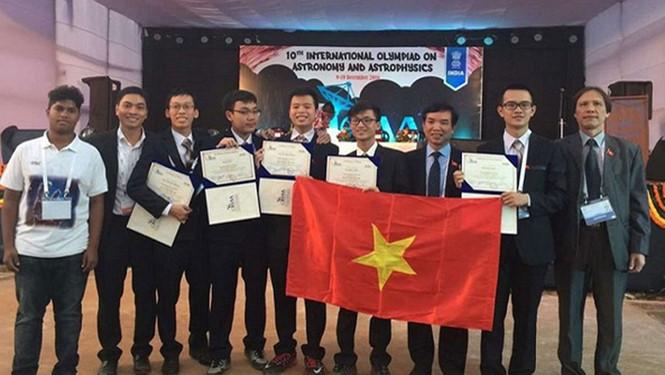 Vietnam wins prizes at International Astronomy Olympiad