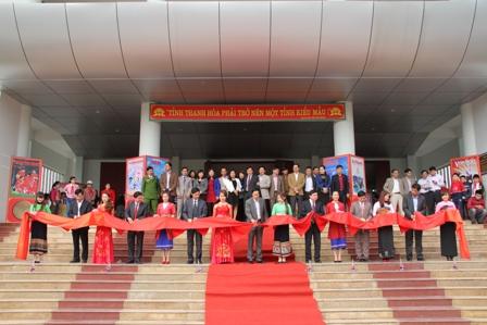 """Ausstellung """"Hoang Sa, Truong Sa von Vietnam – die historischen Beweise"""""""
