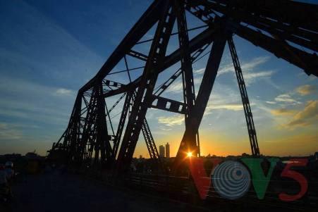 古老的河内龙边桥