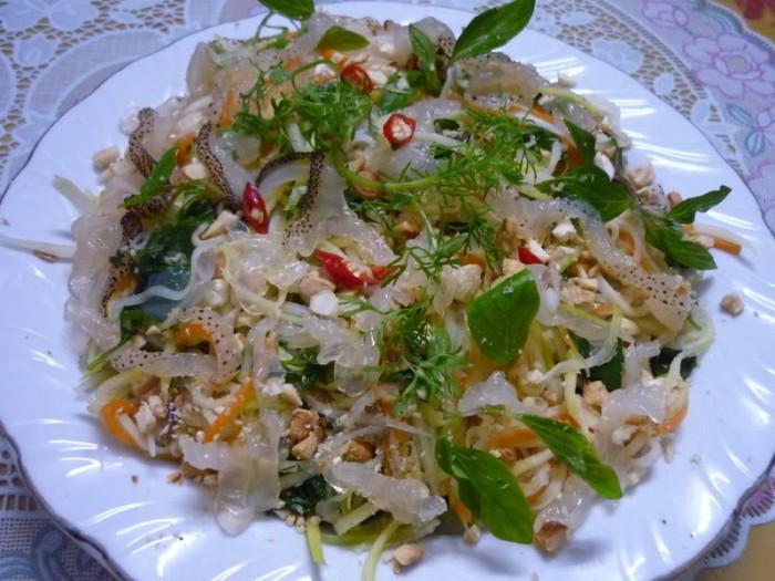 Essen und Trinken im Meeresgebiet Thai Binh