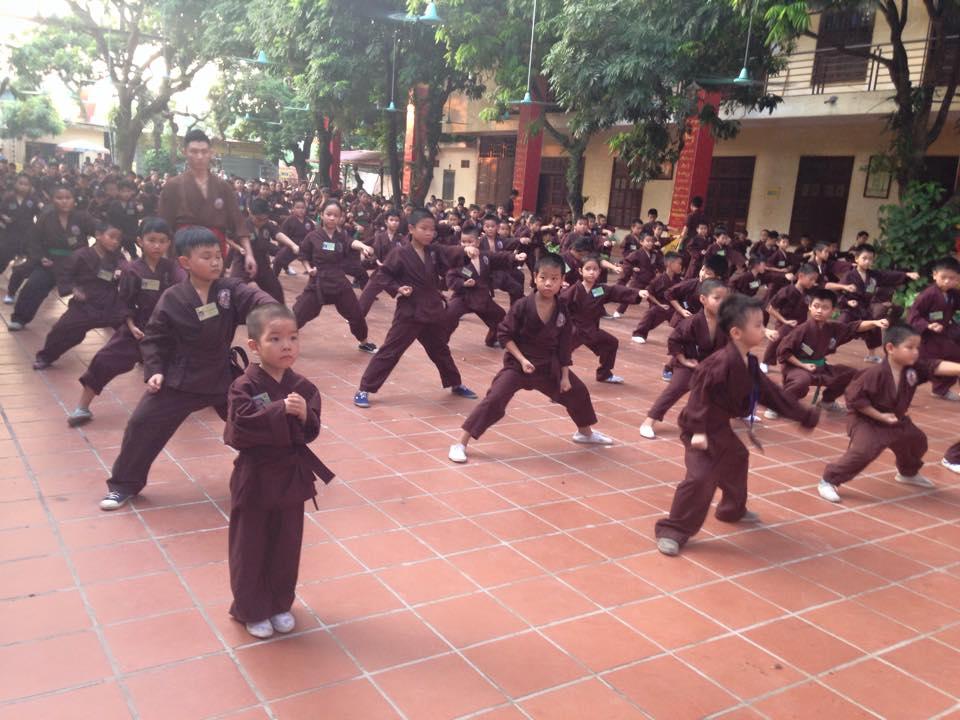 Mengunjungi satu kursus main silat di pagoda Bang A, kota Hanoi