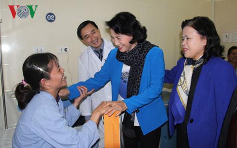 Ketua MN Vietnam, Nguyen Thi Kim Ngan mengunjungi Rumah Sakit K