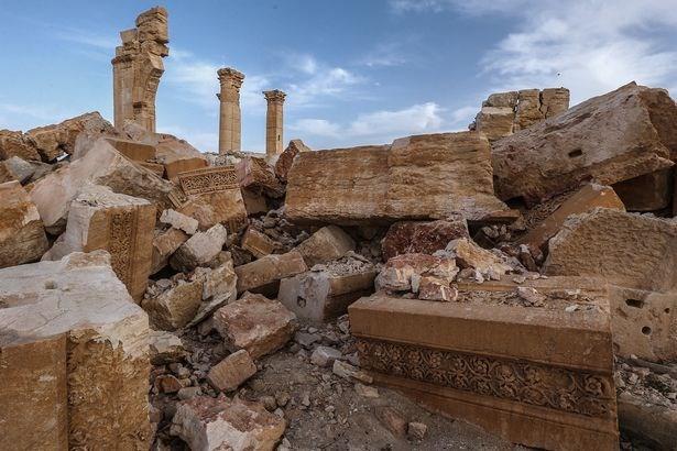 """Suriah mengutuk penyabotan terhadap situs peninggalan sejarah kuno di kota Palmyra sebagai """"kejahatan perang"""""""
