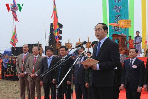 Presiden Tran Dai Quang menghadiri Pesta turun ke sawah Doi Son 2017