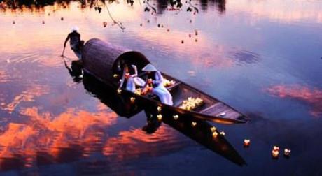 Photos of Vietnam's heritage on display in Hanoi