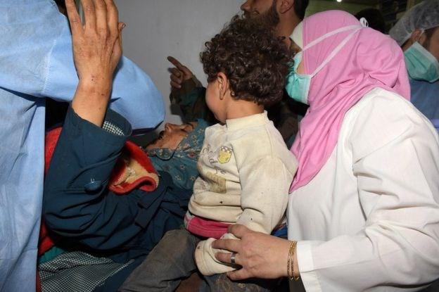 Evacuation restarts in Syria following bomb blast on bus