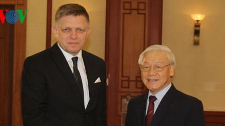Lãnh đạo Đảng, Nhà nước, Quốc hội tiếp Thủ tướng Slovakia Robert Fico