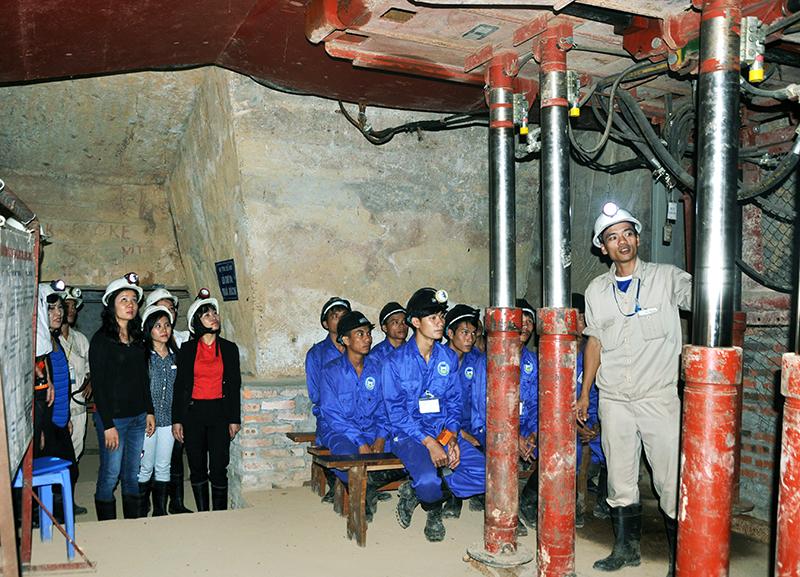Du lịch trải nghiệm với nghề thợ mỏ