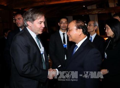 Thủ tướng gặp gỡ Giám đốc điều hành và một số thành viên WEF