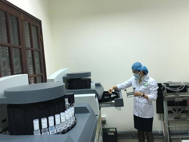 Bệnh viện Việt Đức khai trương máy xét nghiệm giải phẫu bệnh tự động hiện đại