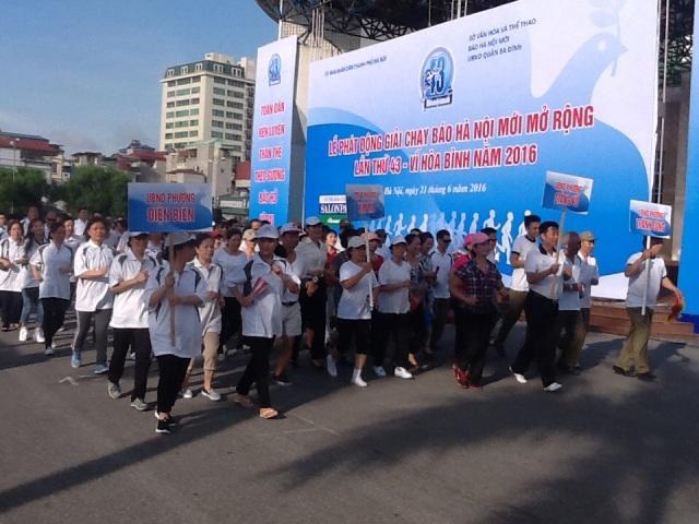 Phát động giải chạy Báo Hà Nội mới mở rộng vì hòa bình 2016