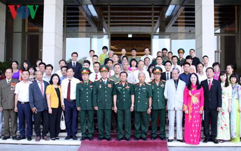 Phó Chủ tịch Quốc hội Đỗ Bá Tỵ gặp mặt Đoàn đại biểu doanh nghiệp, doanh nhân thương binh tiêu biểu