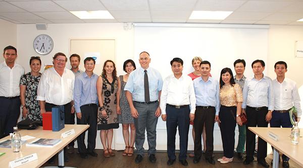 Tăng cường hợp tác giữa hai thành phố Hà Nội và Paris