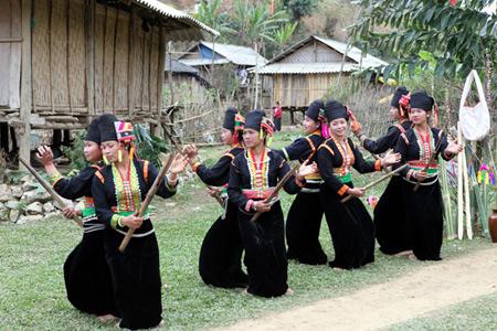 Dấu ấn núi rừng trong đời sống và âm nhạc của người Khơ Mú