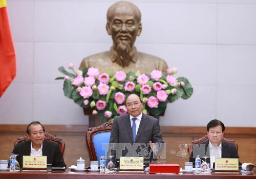 Thủ tướng Nguyễn Xuân Phúc: Không để tình trạng ùn tắc giao thông trong dịp Tết