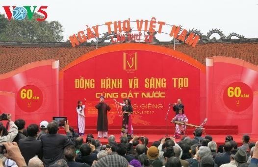 Tưng bừng các hoạt động kỷ niệm Ngày thơ Việt Nam lần thứ 15