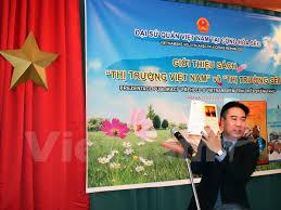 """Ra mắt """"cẩm nang"""" về thị trường Việt Nam tại Cộng hòa Czech"""