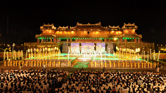 Hue Festival's impressive opening ceremony