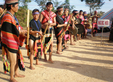 Traditional attire of the Brau people