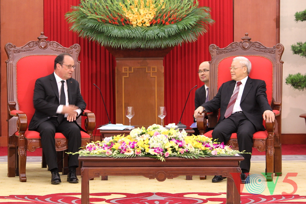 Party leader receives visiting French President