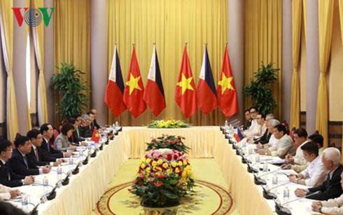 Philippine President concludes Vietnam visit