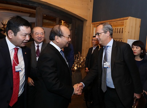 Prime Minister Nguyen Xuan Phuc participated in WEF activities