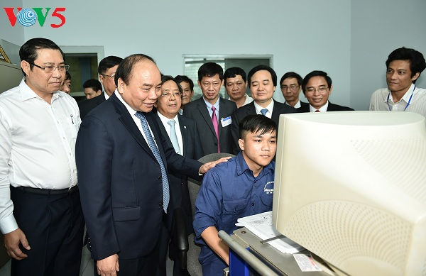 Prime Minister works with Da Nang University