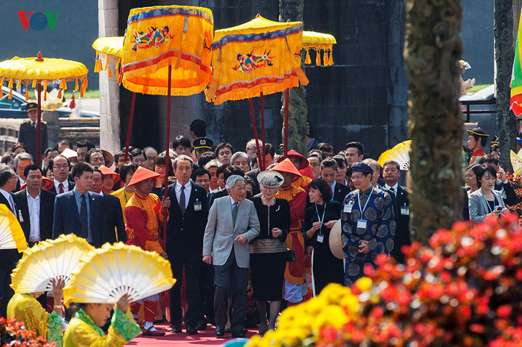 Japanese Emperor, Empress conclude Vietnam visit