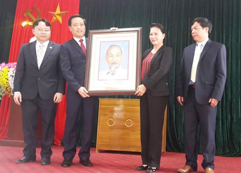 NA Chairwoman works with Nam Nhun district, Lai Chau