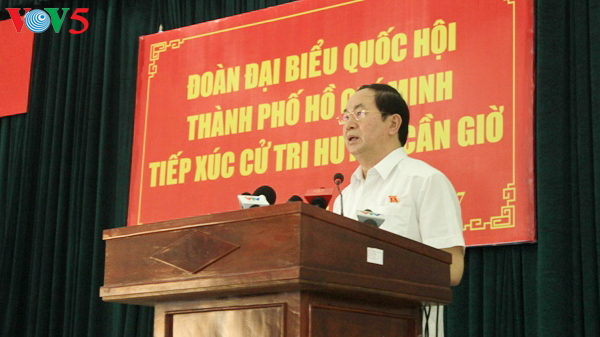 President Tran Dai Quang meets voters in Can Gio
