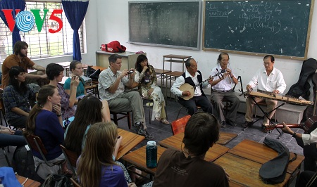 Can Tho city promotes traditional amateur singing