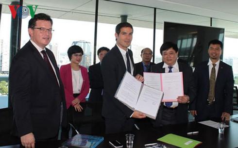 La Voz de Vietnam firma acuerdo de cooperación con Radio France