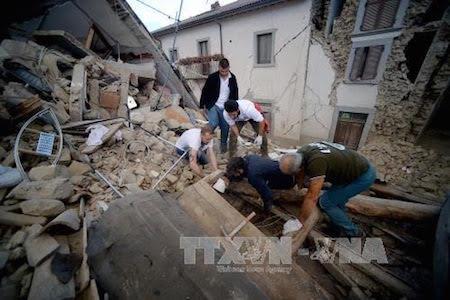 Sismo en el centro de Italia deja al menos 250 muertos