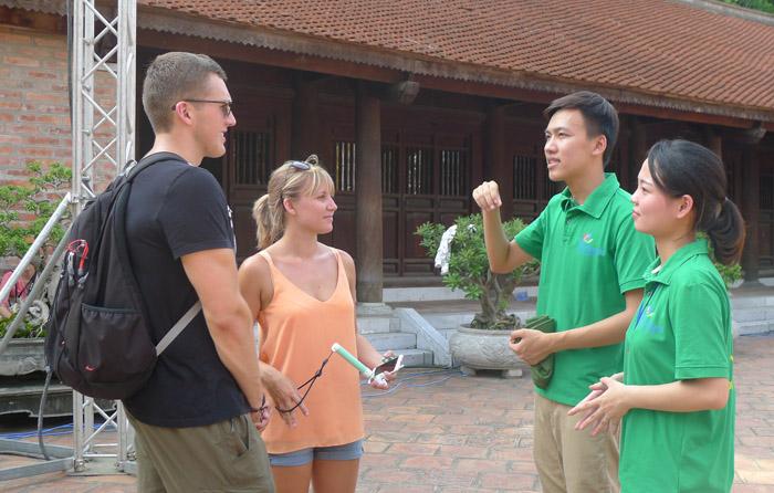 Embajadores turísticos que difunden la belleza de Hanoi