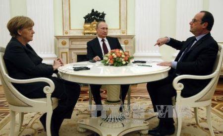 Francia, Alemania y Rusia debaten soluciones para crisis ucraniana