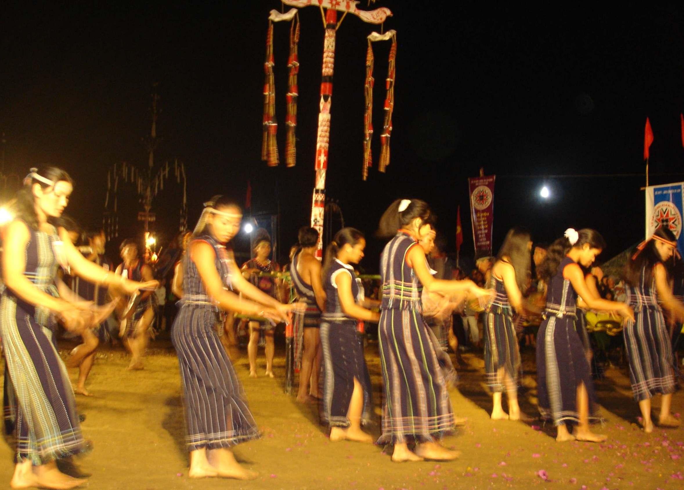 Música folclórica del grupo étnico K'ho