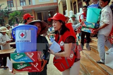 Más ayudas financieras para compatriotas afectadas por inundaciones en el Centro