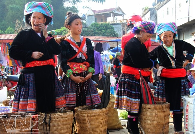 Los Mong protegen sus costumbres tradicionales
