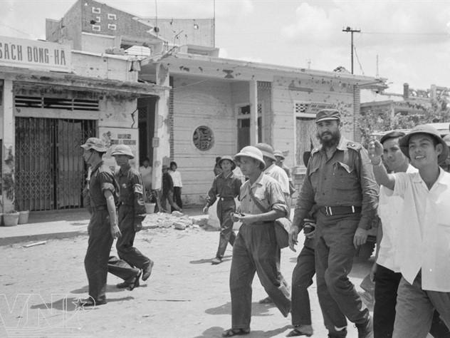 Imágenes de Fidel en Vietnam en tiempos de guerra